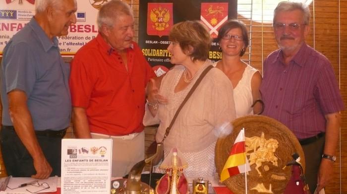 élus sur stand maire député conseille general yvelines 7.09.13..JPG